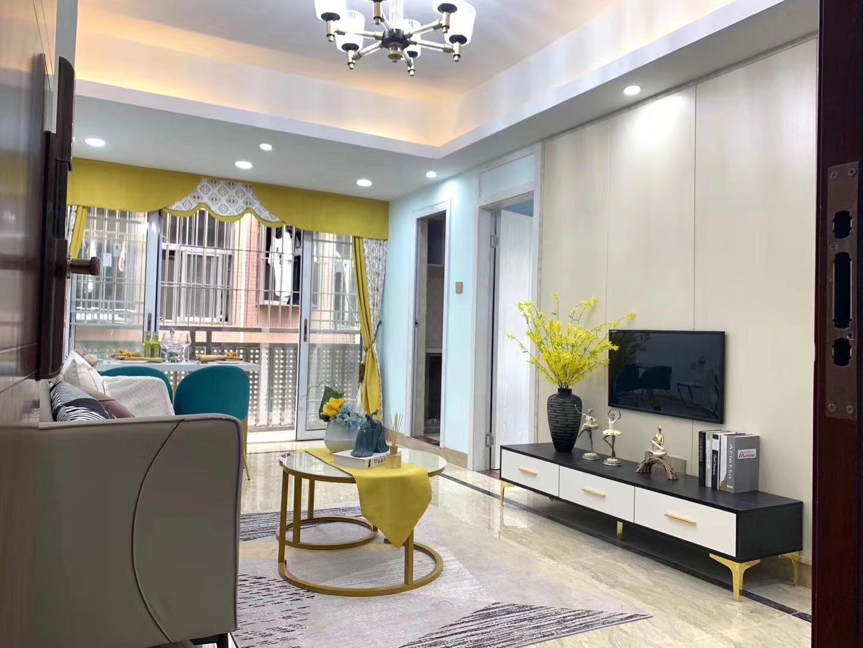 龙华广场创新华府二期特价25.8万/套起住宅楼