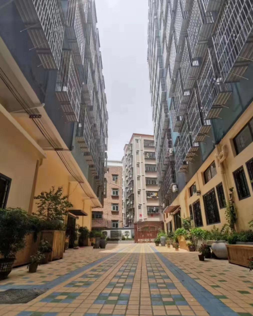 前海-悦海新天地 宝安西乡两栋花园小区36万/套起