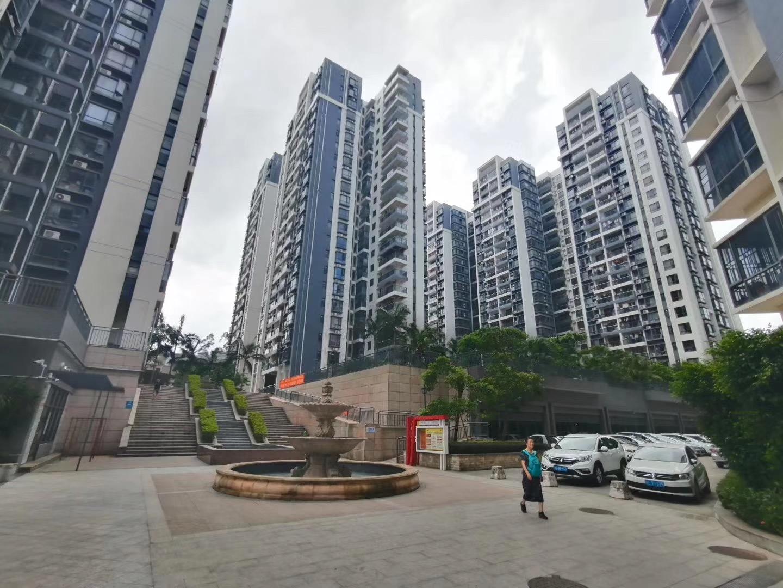龙华龙胜12栋封闭式花园小区总价69.8万/套