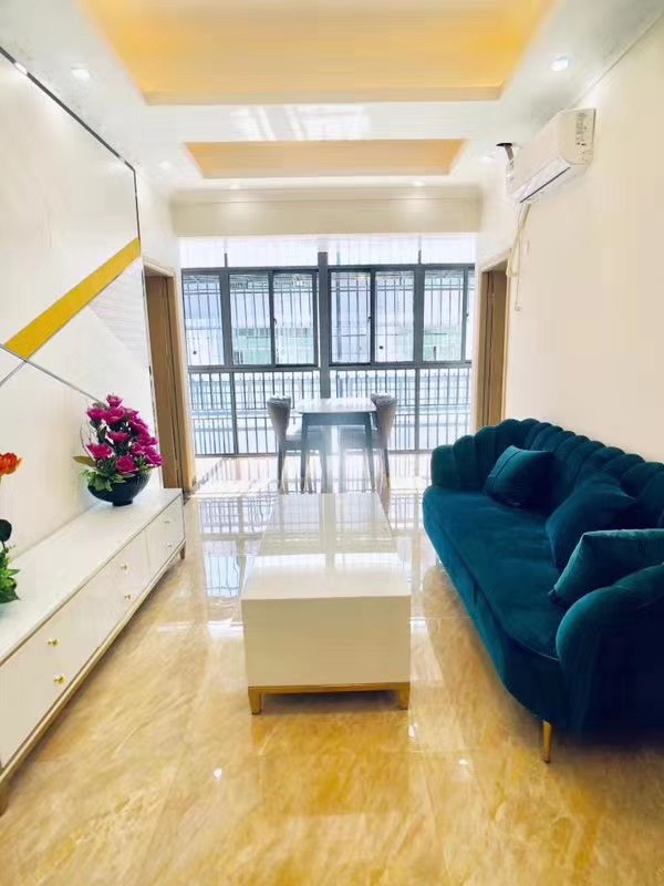 坂田观澜交汇处宝能精品公寓三栋连排31.8万/套起